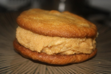 Peanut butter, honey, banana whoopie pie